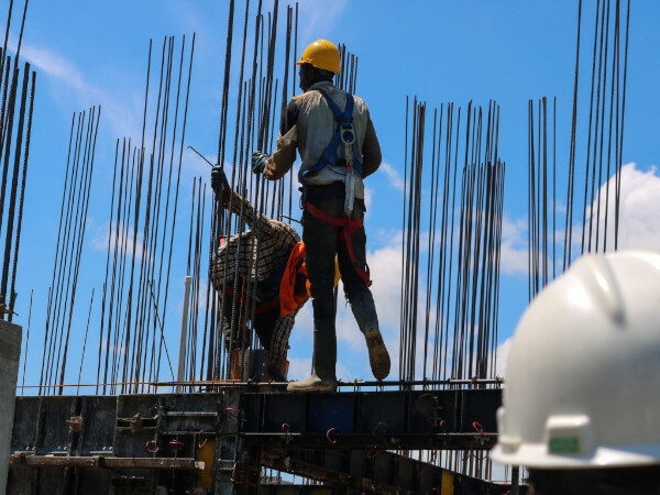 Will Construction Workers Walk? Implications of the Vaccine Mandate